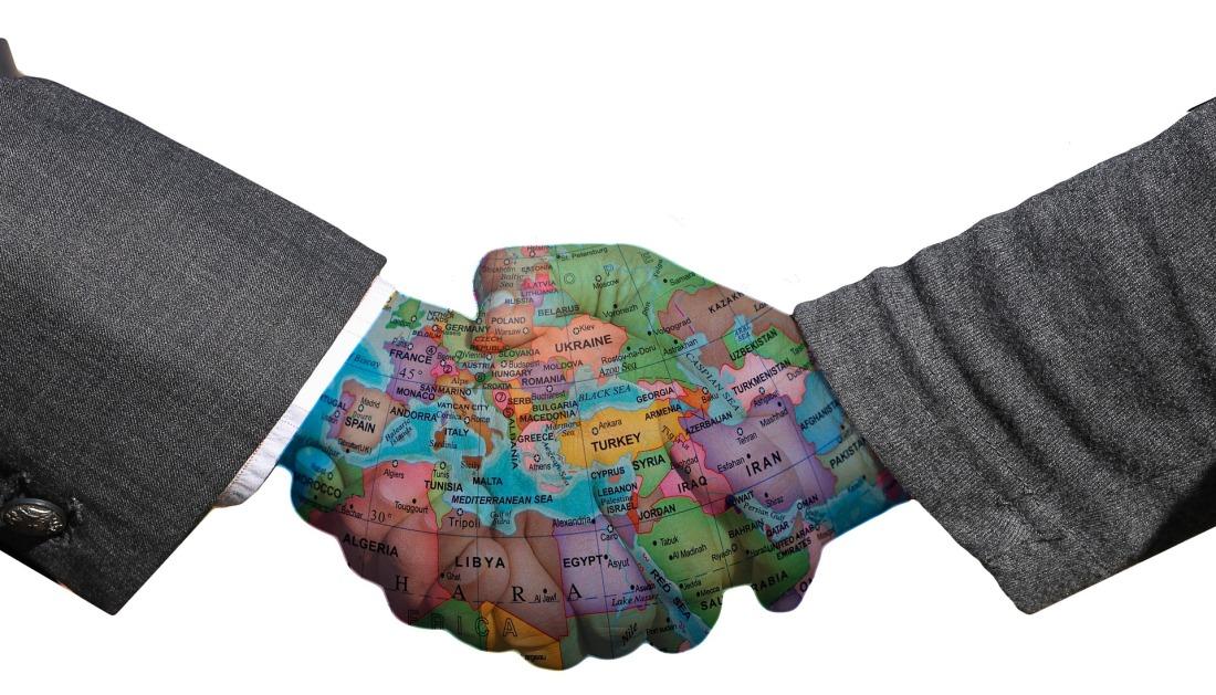 handshake-3205492_1920